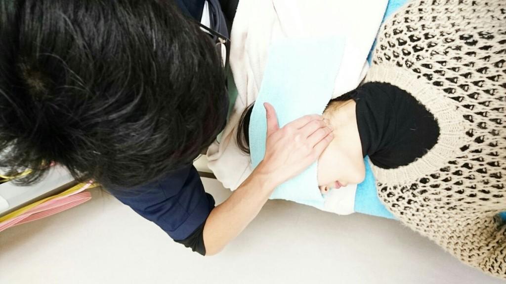 保険適用外の部位や、お時間がとれない時にご活用ください。部位(首・肩・腰・腕・足)の中からお好きな部位をお選びいただけます。部位数と時間数を10分から組合せてご利用できますので、選択頂いた部位の問題点を徹底的に解消することができます。また、他の診療メニューと併用できますので、当日のご都合に合わせてご利用下さい。(予約不要)こんな症状(肩こり・腰痛・背部痛・頭痛・膝痛等)の方がご利用されております。